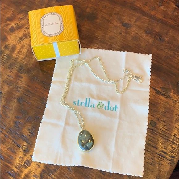 Stella & Dot Jewelry - Stella & Dot reversible stone necklace